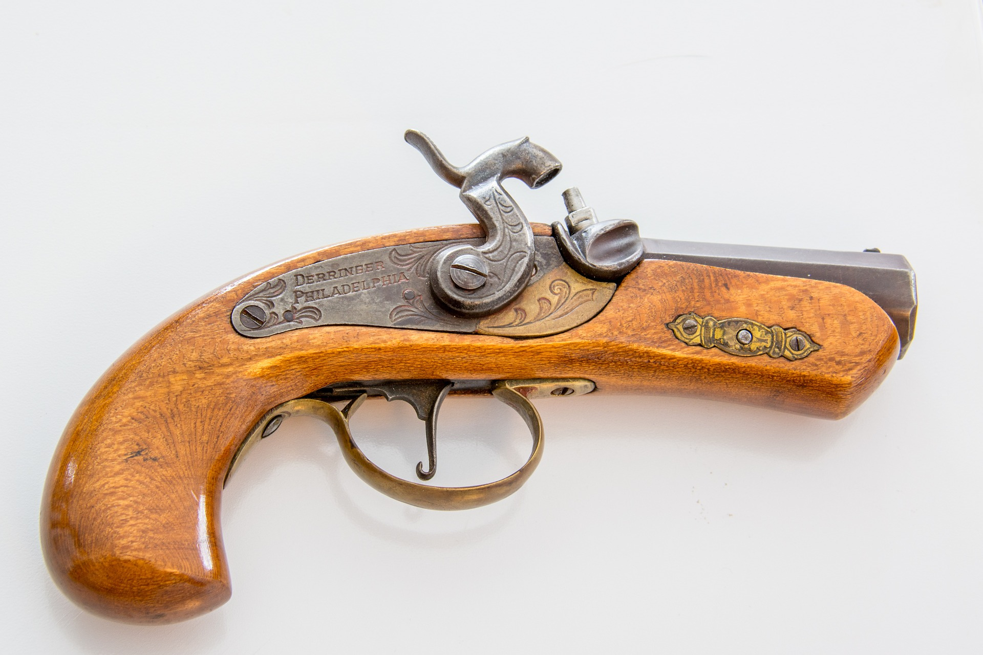 gun-antique-pistol