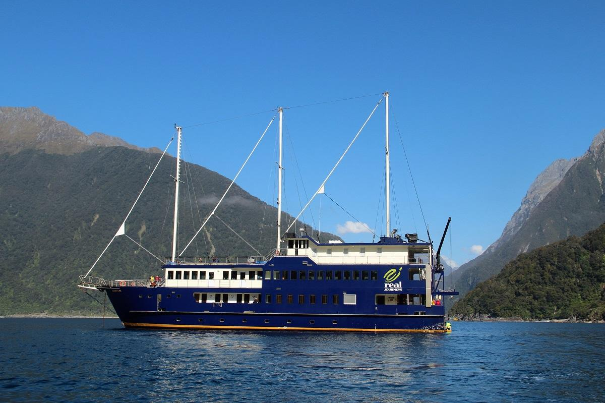 experience milford sound mariner