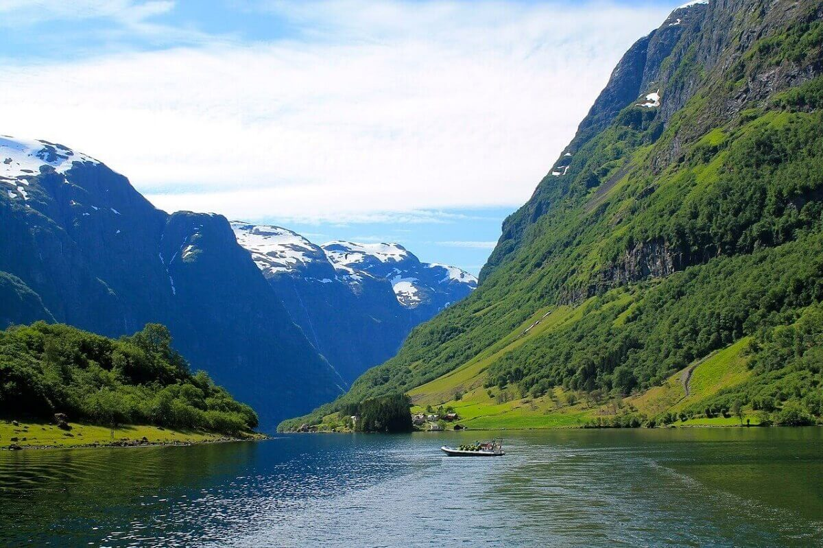 norway happiest countries in the world solo travel ideas